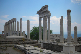Pergamum_Turkey_Temple_of_Trajan